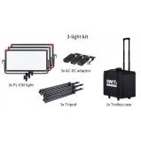 hordozható 3 lámpás szett állvánnyal, tápegységgel, hordkofferrel, 3x 2200lx