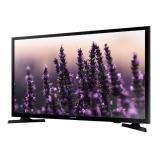 32'-s HD LED televízió